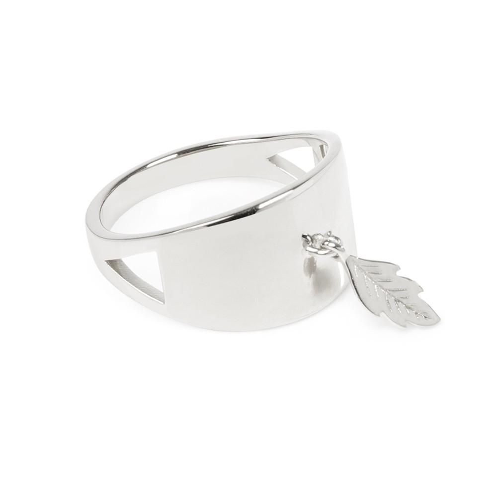 Daisy Laura Whitmore Dreamer Ring LWSR005 £45.00 Click to visit T H Baker