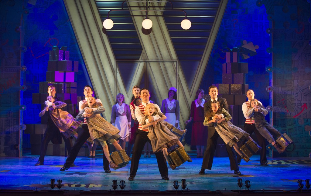 ANNIE - The Company. Photo credit Paul Coltas (6)