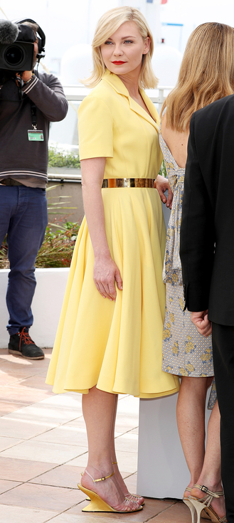CANNES, FRANCE - MAY 11: Kirsten Dunst attends the Jury Photocall during the 69th Annual Cannes Film Festival at the Palais des Festivals on May 11, 2016 in Cannes, France. (Photo by Andreas Rentz/Getty Images)