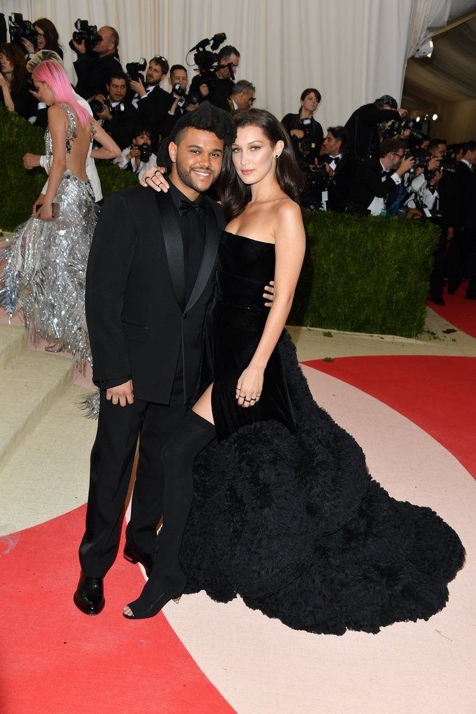 Bella-Hadid-Weeknd-Cutest-Pictures