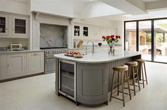 Harvey_Jones_handmade_bespoke_Shaker_kitchen