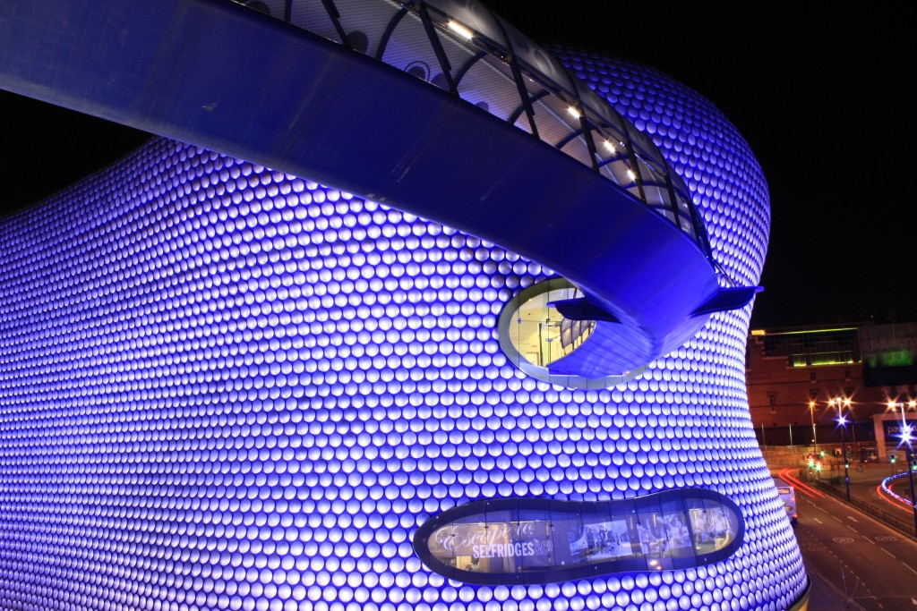 Selfridges_Birmingham_at_night