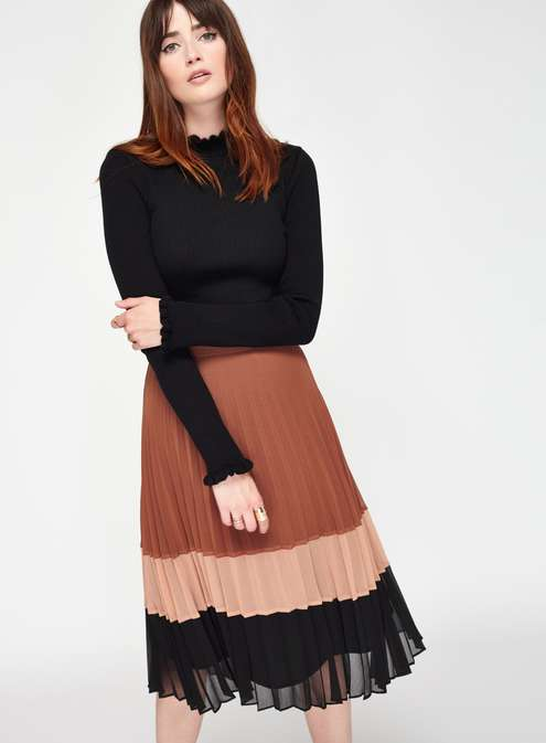 Colour Block Pleat Skirt £55.00 Click to visit Miss Selfridge
