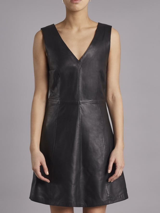 Handley Black Leather V-Neck Dress Code: M1059X_BLAC £275.00 (£137.50 with code) (FREE WORLDWIDE Delivery) Click to visit Muubaa