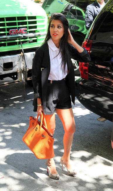 kourtney-kardashian-python-pumps-christian-louboutin