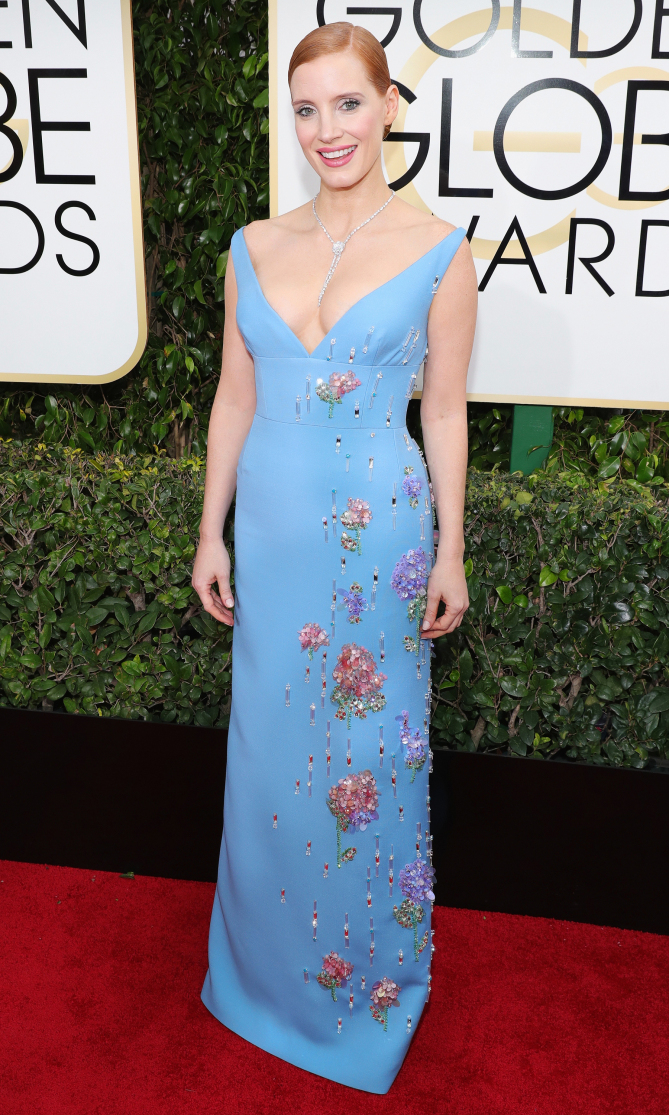 BEVERLY HILLS, CA - JANUARY 08: 74th ANNUAL GOLDEN GLOBE AWARDS -- Pictured: Actress Jessica Chastain arrives to the 74th Annual Golden Globe Awards held at the Beverly Hilton Hotel on January 8, 2017. (Photo by Neilson Barnard/NBCUniversal/NBCU Photo Bank via Getty Images)