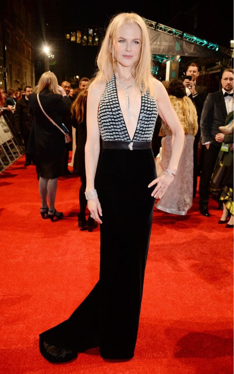 JS120451791_Rex-Features_EE-BAFTA-British-Academy-Film-Awards-Arrivals-Royal-Albert-Hall-London-UK-xlarge_trans_NvBQzQNjv4BqbdICf8JCObWJaRJI_qrg_6nWqqwPhkV9IOBGbmerdRw